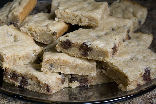 Chewy Chocolate Chip Shortbread Bars Recipe
