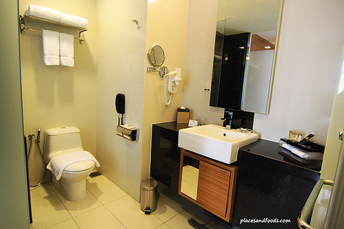 best western premier dua bathroom overview