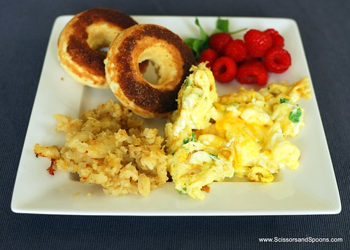 Brunch - SW hash browns, parsely scrambled eggs, cinnamon sugar cake doughnuts, and raspberries