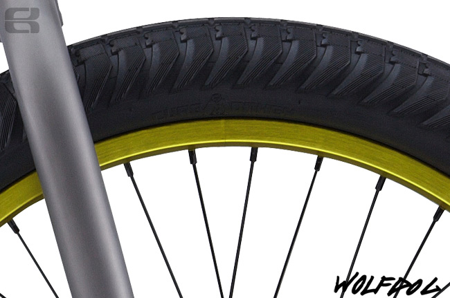 PS 2013 Wolfdog Front Tire