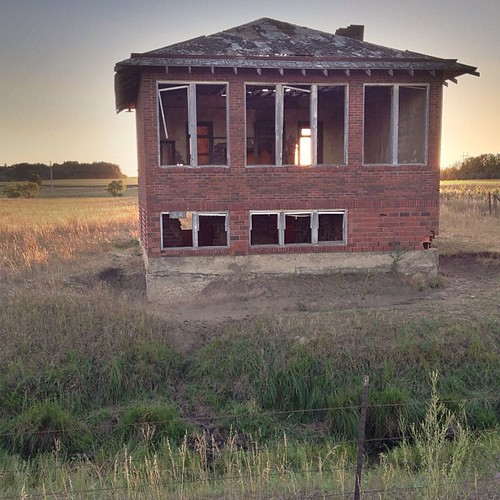 sunset summer abandoned southdakota rural square ruin nostalgia squareformat prairie schoolhouse minnehahacounty iphoneography instagramapp uploaded:by=instagram walkinsschooldistrictno144 erosdatacenterroad