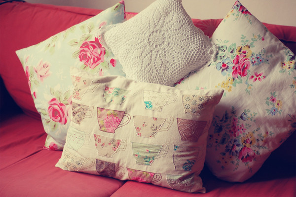 Wardrobeblock : shabby chic cushions laura ashley cath kidston primark lace floral teacup