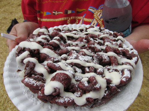 red velvet funnel cake minnesota state fair food photo review
