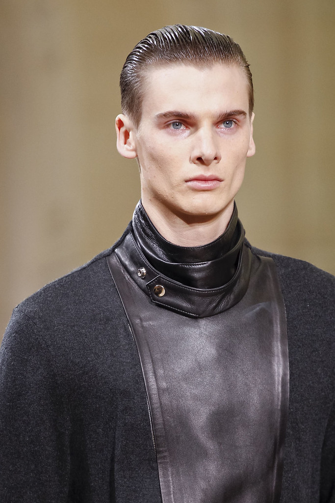 Angus Low3026_FW12 Paris Yves Saint Laurent(VOGUE)
