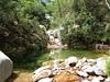 Remontée de la Frassiccia : une vasque du ruisseau avec un nouveau contournement