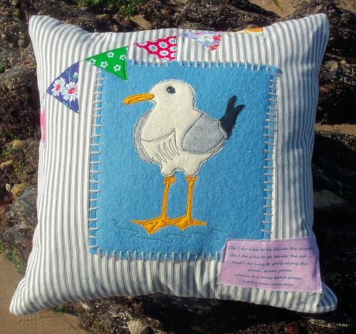 Seagull Cushion