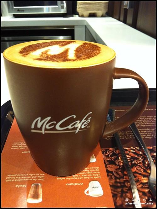 McDonald's McCafé Opens in Malaysia @ McCafe Kota Damansara & McCafe Bandar Utama : McCafe Cappuccino