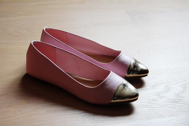 gold toe cap pink flats