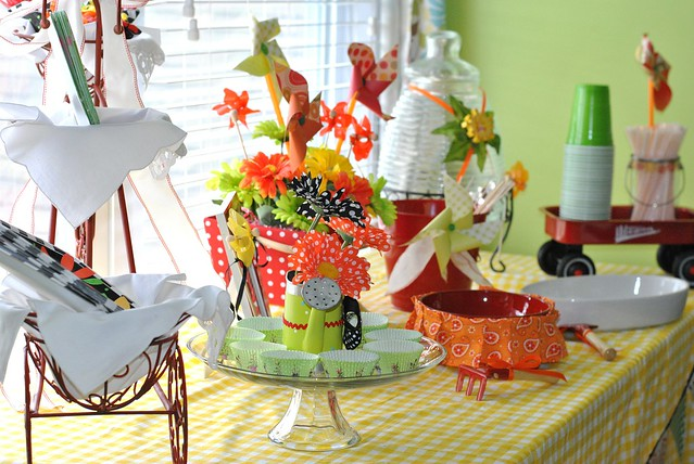 Springy Tablescape with Pinwheels