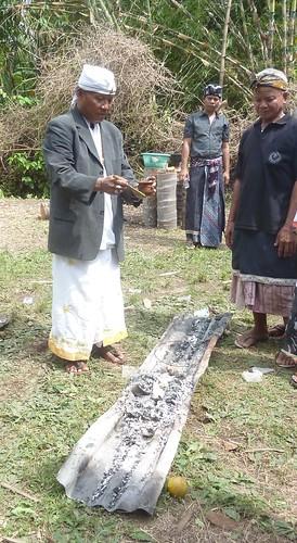 Bali-Funéraille hindoues-Crémation (83)
