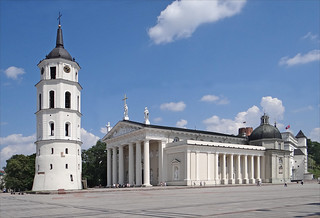 Imageof Cathedral Basilica of St Stanislaus and St Vladislav. cathedral cathédrale vilnius beffroi lituanie dalbera