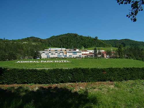 Nuovo ristorante e suite rinnovate all 39 admiral park hotel for Design hotel zola