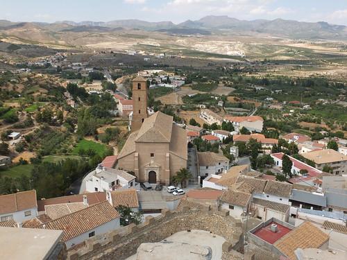 Castillo - Vista de la iglesia de la Anunciación