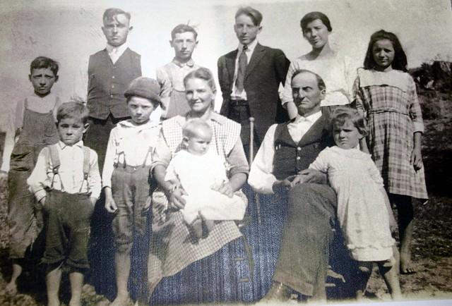 Daniel Leckrone Family  circa 1922