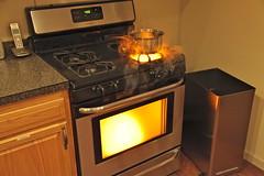 wood-burning stove(0.0), hearth(0.0), kitchen(1.0), room(1.0), gas stove(1.0), kitchen stove(1.0), major appliance(1.0),