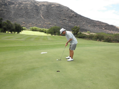 Makaha Valley Country Club 071