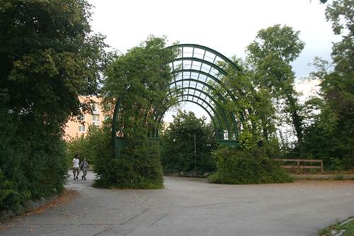 """""""Raumbögen"""" von Johannes Leismüller - Brücke zum östlichen Westpark"""