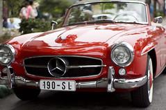 automobile(1.0), automotive exterior(1.0), vehicle(1.0), performance car(1.0), automotive design(1.0), mercedes-benz(1.0), mercedes-benz 190sl(1.0), mercedes-benz 300sl(1.0), antique car(1.0), land vehicle(1.0), convertible(1.0),