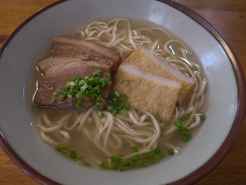 Photo:Okinawa soba noodle with three layers pork By:pelican
