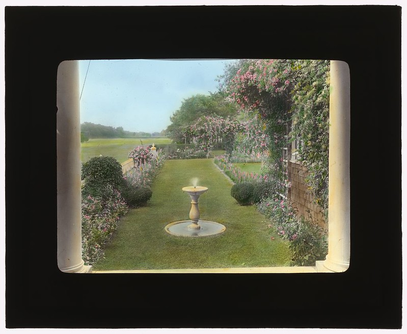 "[""Westlawn,"" Edward Tiffany Dyer house, Great Plains Road, Southampton, New York. (LOC)"