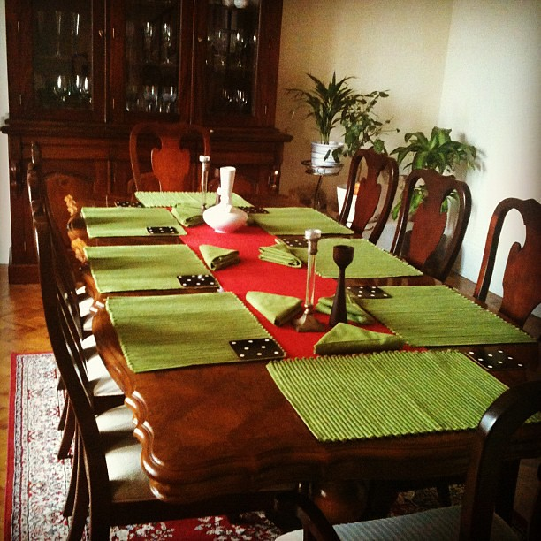 Set up for tonight's dinner with beloved Auntie & cousin :-)