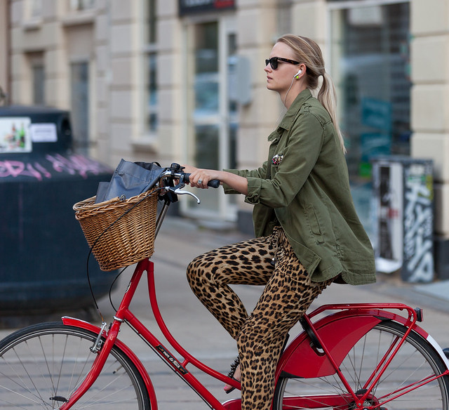 bike pretty, bikepretty, pretty bike, girls on bikes, outfit ideas, cycle style, fashion bike, bike fashion, bike chic, bike style, girl on bike, cycle chic, leopard print, leopard, leopard print style, red bike, street style