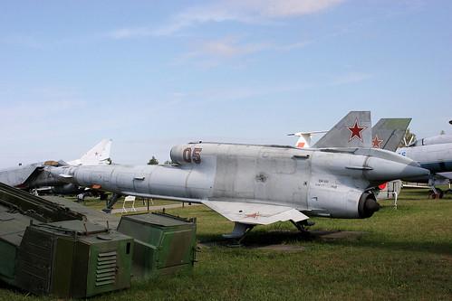 Tupolev Tu-141 05 red
