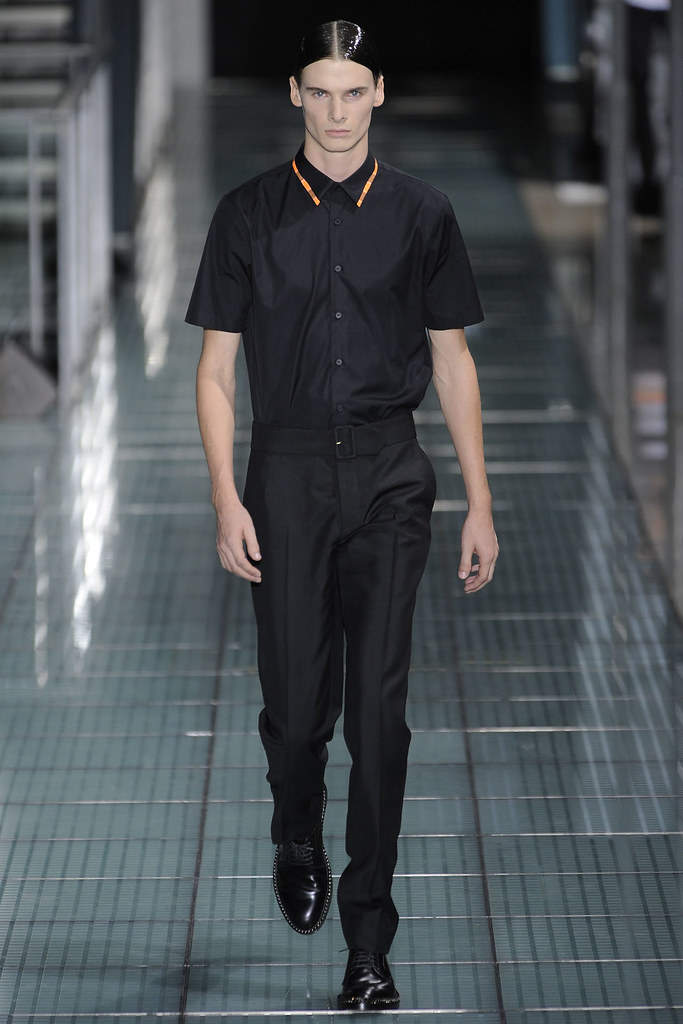 Angus Low3005_SS12 Paris Raf Simons(VOGUE)