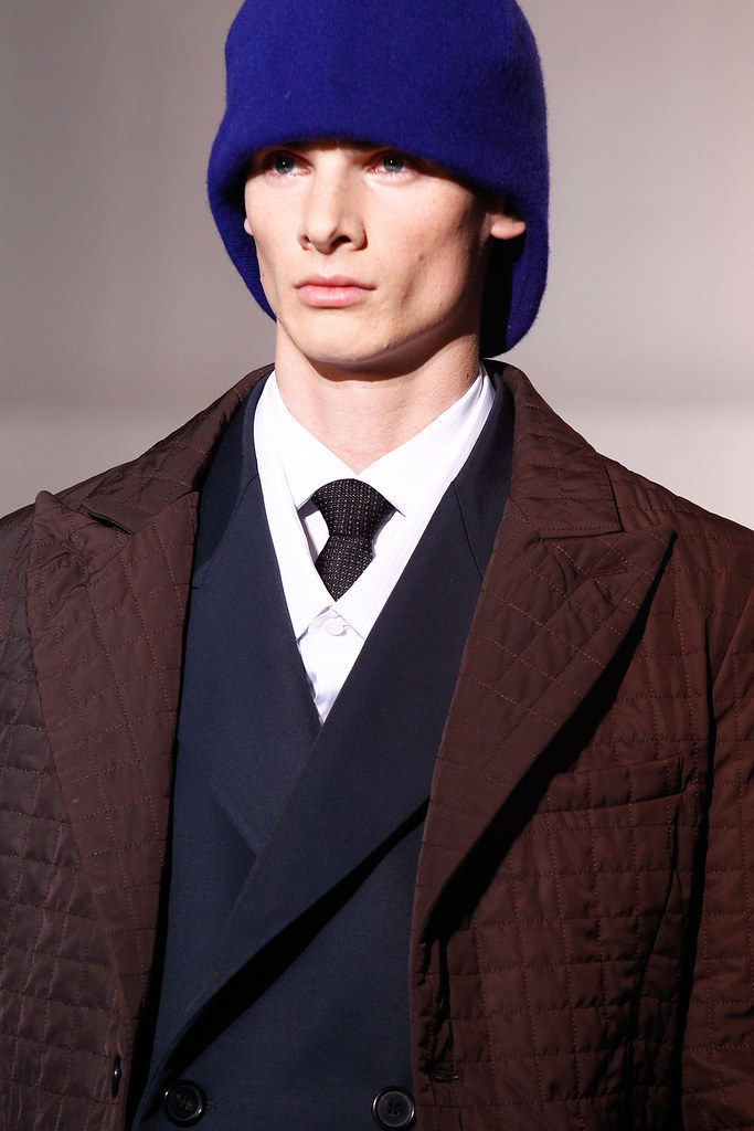 Angus Low3029_FW12 Paris Raf Simons(VOGUE)