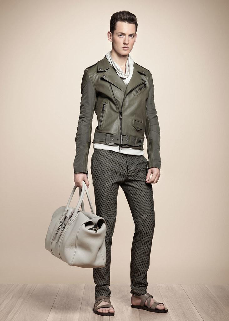 Jakob Hybholt4017_SS13 Milan Belstaff(fashionising.com)