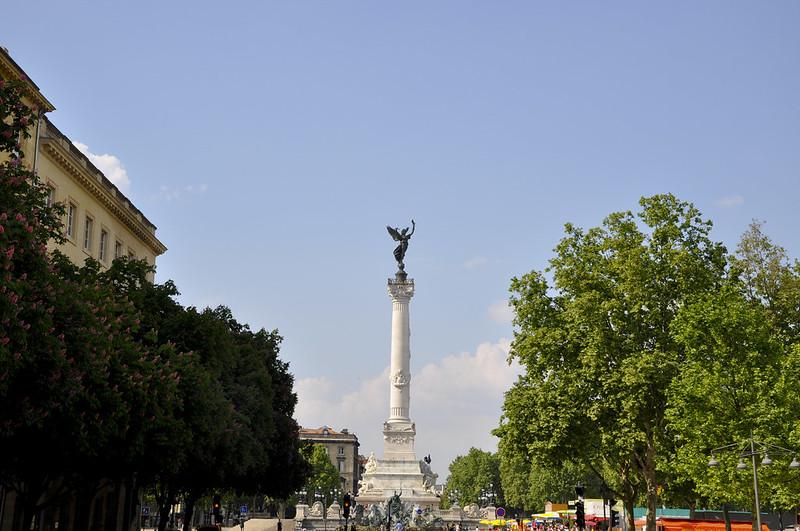 http://hojeconhecemos.blogspot.com.es/2012/07/monumento-dos-girondinos-bordeus-franca.html