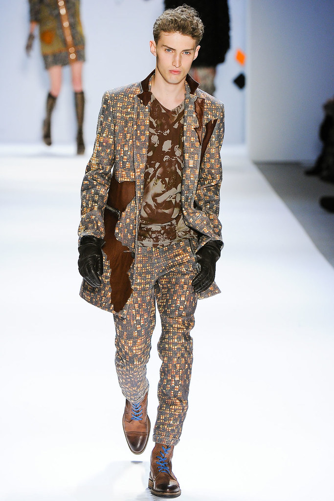 Charlie France3618_FW12 NY Custo Barcelona(VOGUE)
