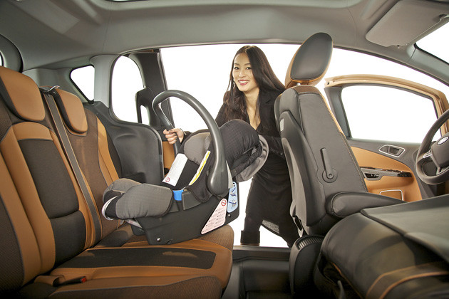 Ford_B-MAX-Easy-Access