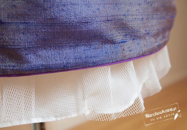 marchewkowa, szycie, tutorial, instrukcja, podszywanie brzegu spódnicy tasiemką, lamówka