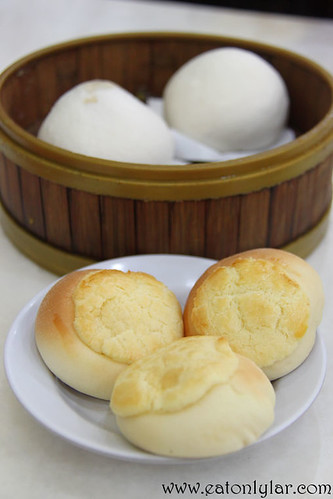 Baked Custard Bun and Lotus Paste Bun, Restoran Jin Xuan Hong Kong Sdn Bhd