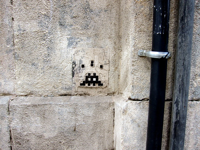 streetart | space invader | barcelona