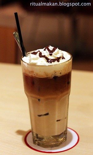 ice hazelnut latte