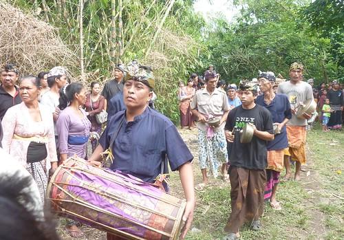 Bali-Funéraille hindoues-Procession (46)