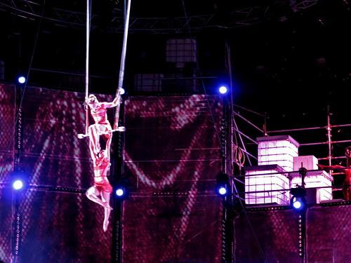 "Cirque du Soleil ""Chemins invisibles"" show acrobatics"