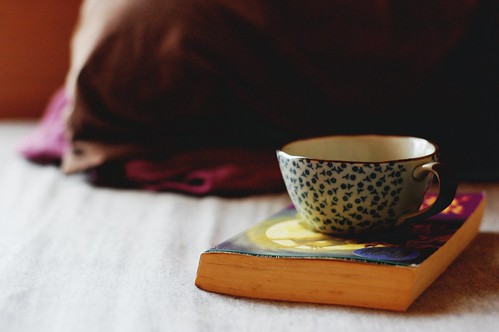 tea & books.