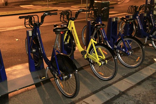 A yellow Melbourne Bike Share bike?!