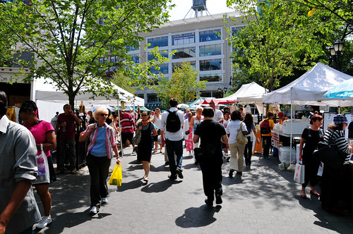 The Union Square Farmers Market  is a busy urban farmers market in New York City. The state of New York saw a triple-digit increase in its farmers market listings. The Northeast saw a double-digit percentage increase from last year.  Photo by Ed Yourdon.
