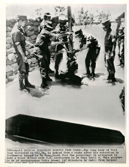 1965 Execution of Viet Cong Terrorist Le Dau - Photo by Eddie Adams | Flickr - Photo Sharing!