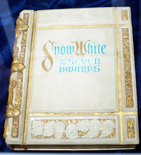 Snow White And The Seven Dwarfs Storybook Prop Flickr