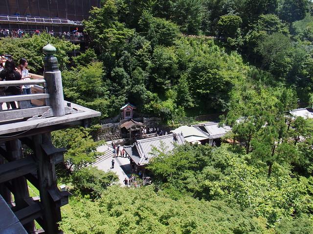 由清水寺本堂眺望到音羽の滝