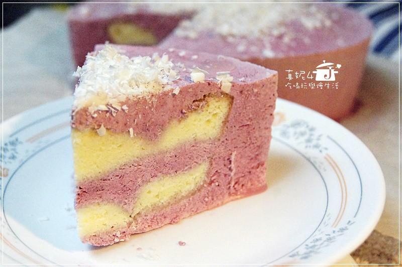 莓果冰淇淋夾心蛋糕
