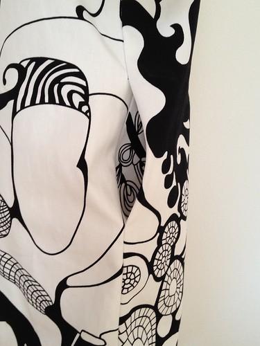 04.Jul.12 Blouson dress _ right pocket