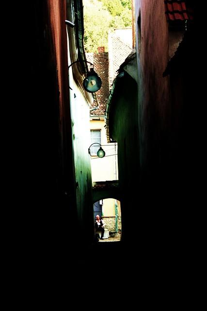 Wąskie uliczki w Braszowie