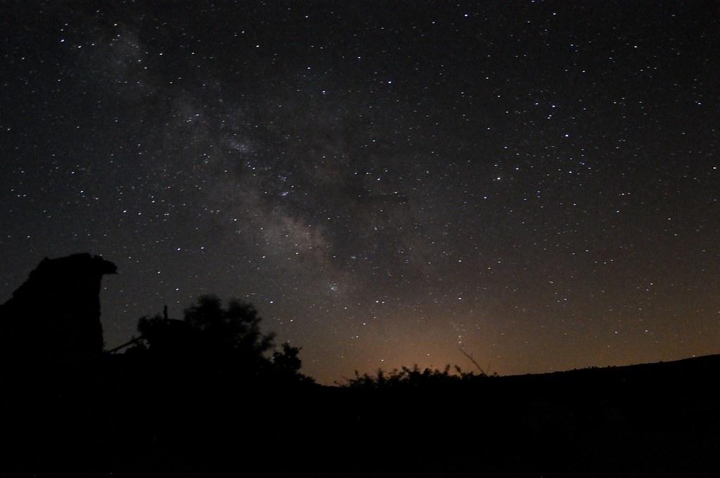 Vía Láctea tomada desde Tobes, el pueblo abandonado