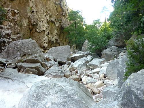 La splendide brèche du Carciara et ses restes de câble métallique
